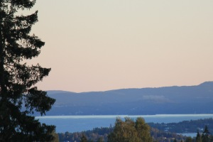 Photo of Oslo Fjord from near Røa, looking SW